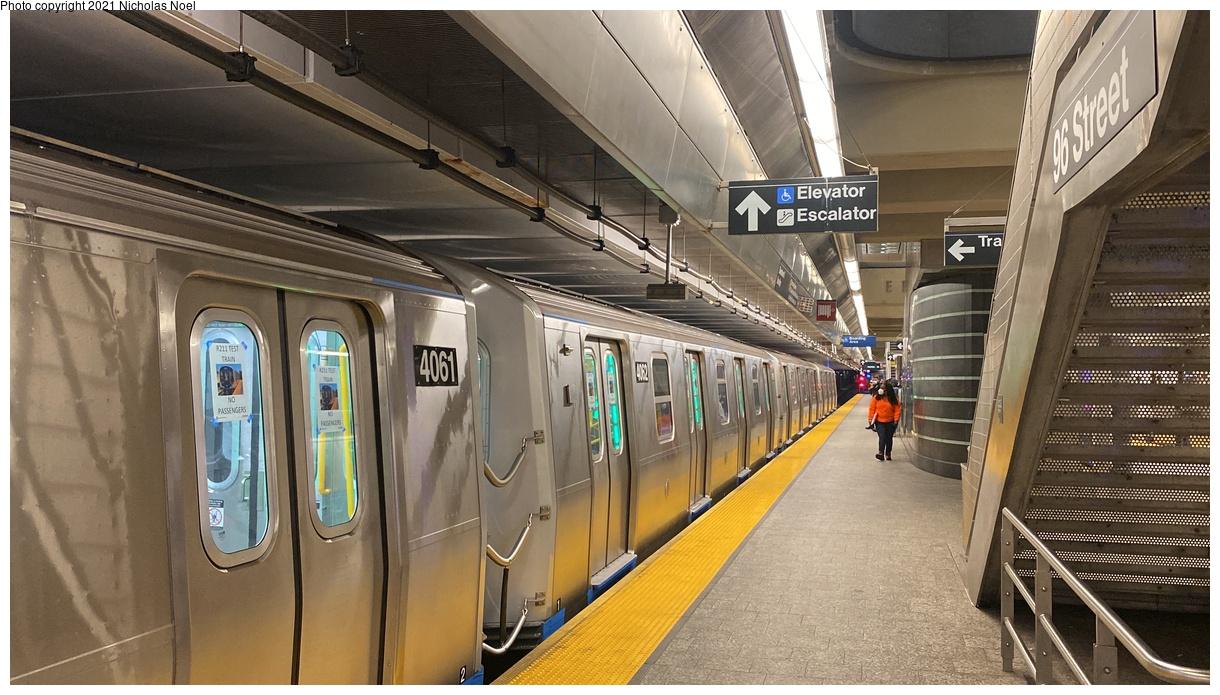(355k, 1220x695)<br><b>Country:</b> United States<br><b>City:</b> New York<br><b>System:</b> New York City Transit<br><b>Line:</b> 2nd Avenue Subway<br><b>Location:</b> 96th Street<br><b>Route:</b> Testing<br><b>Car:</b> R-211 (Kawasaki, 2021-) 4062 <br><b>Photo by:</b> Nicholas Noel<br><b>Date:</b> 9/29/2021<br><b>Viewed (this week/total):</b> 3 / 35