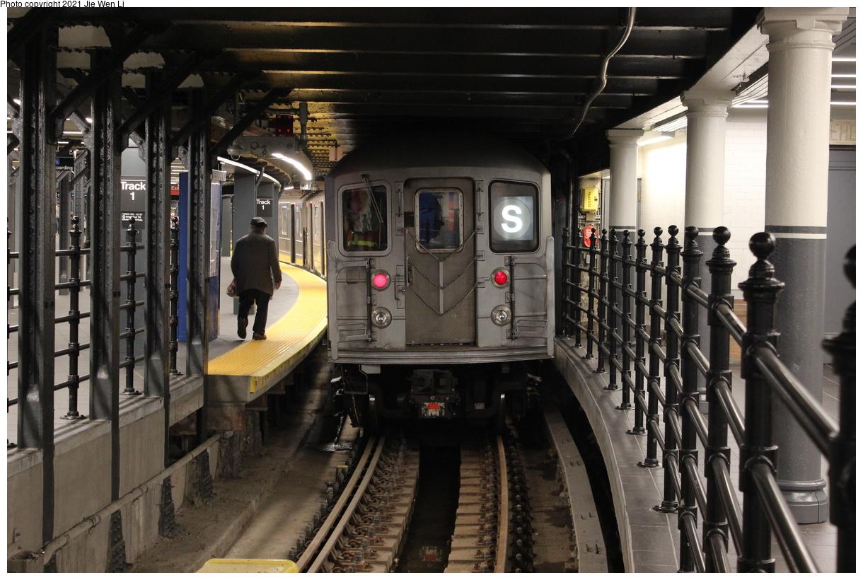 (406k, 1220x820)<br><b>Country:</b> United States<br><b>City:</b> New York<br><b>System:</b> New York City Transit<br><b>Line:</b> IRT Times Square-Grand Central Shuttle<br><b>Location:</b> Times Square<br><b>Route:</b> S<br><b>Car:</b> R-62A (Bombardier, 1984-1987) 1936 <br><b>Photo by:</b> Jie Wen Li<br><b>Date:</b> 9/11/2021<br><b>Notes:</b> New 42 St shuttle configuration.<br><b>Viewed (this week/total):</b> 8 / 86