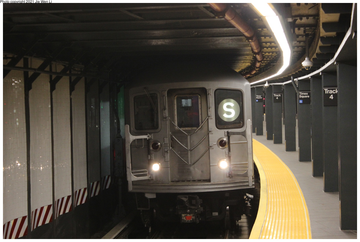 (321k, 1220x820)<br><b>Country:</b> United States<br><b>City:</b> New York<br><b>System:</b> New York City Transit<br><b>Line:</b> IRT Times Square-Grand Central Shuttle<br><b>Location:</b> Times Square<br><b>Route:</b> S<br><b>Car:</b> R-62A (Bombardier, 1984-1987) 1943 <br><b>Photo by:</b> Jie Wen Li<br><b>Date:</b> 9/11/2021<br><b>Notes:</b> New 42 St shuttle configuration.<br><b>Viewed (this week/total):</b> 14 / 62