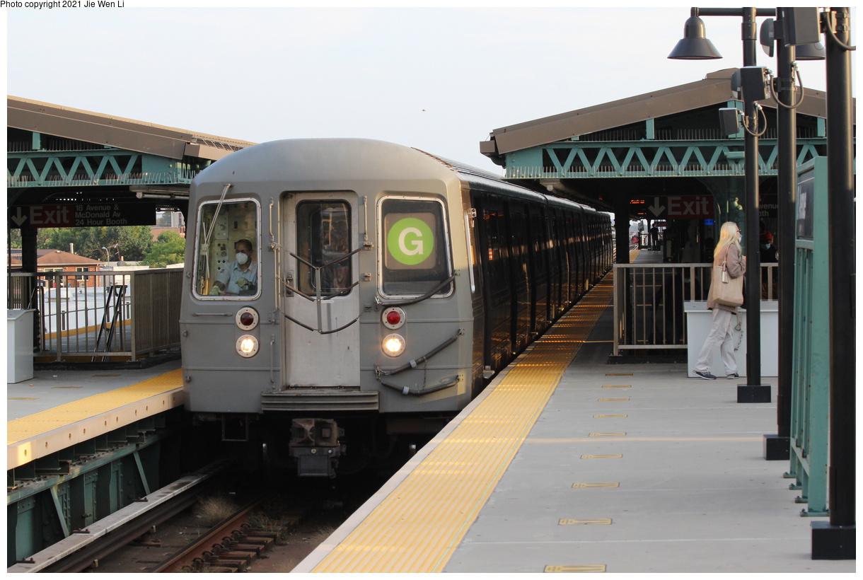 (350k, 1220x820)<br><b>Country:</b> United States<br><b>City:</b> New York<br><b>System:</b> New York City Transit<br><b>Line:</b> BMT Culver Line<br><b>Location:</b> 18th Avenue<br><b>Route:</b> G<br><b>Car:</b> R-68 (Westinghouse-Amrail, 1986-1988) 2900 <br><b>Photo by:</b> Jie Wen Li<br><b>Date:</b> 9/15/2021<br><b>Notes:</b> Extended to 18 Av due to work at Church Av yard.<br><b>Viewed (this week/total):</b> 10 / 55