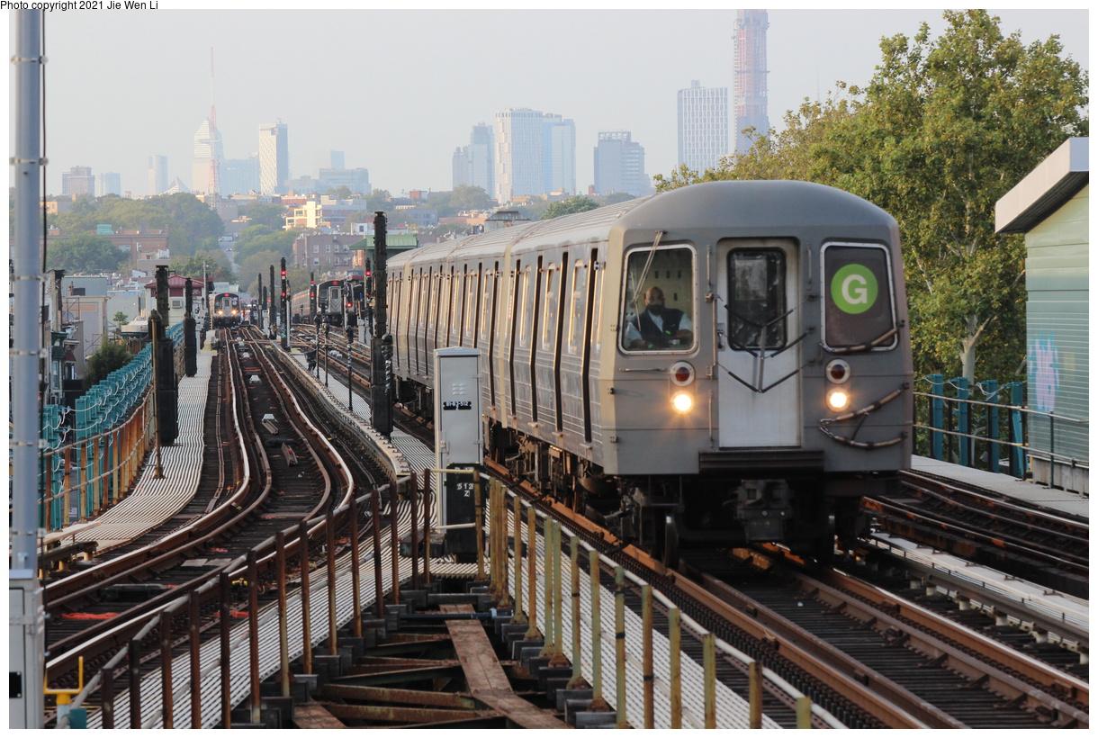(476k, 1220x820)<br><b>Country:</b> United States<br><b>City:</b> New York<br><b>System:</b> New York City Transit<br><b>Line:</b> BMT Culver Line<br><b>Location:</b> 18th Avenue<br><b>Route:</b> G<br><b>Car:</b> R-68A (Kawasaki, 1988-1989) 5128 <br><b>Photo by:</b> Jie Wen Li<br><b>Date:</b> 9/15/2021<br><b>Notes:</b> Extended to 18 Av due to work at Church Av yard.<br><b>Viewed (this week/total):</b> 12 / 69