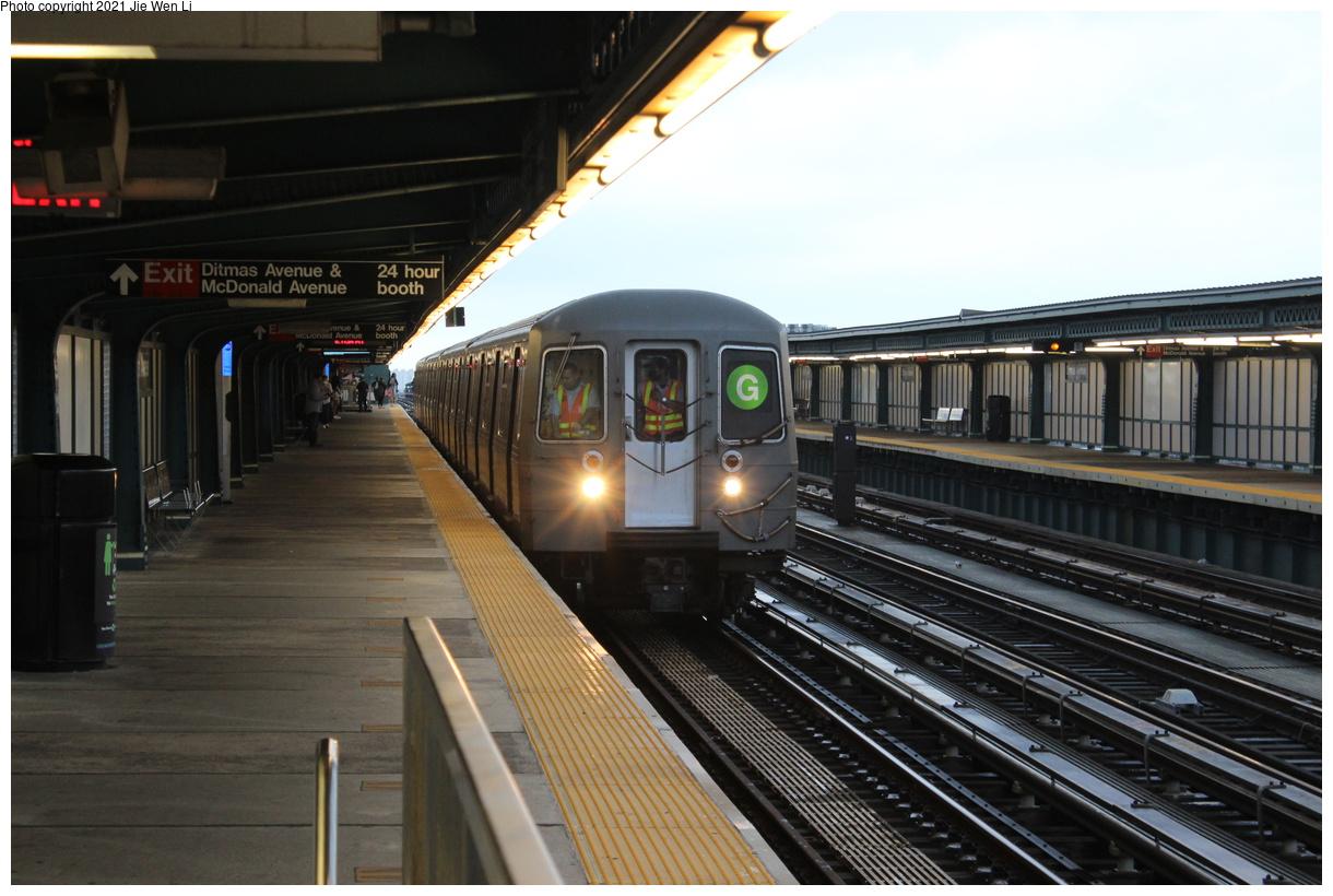 (364k, 1220x820)<br><b>Country:</b> United States<br><b>City:</b> New York<br><b>System:</b> New York City Transit<br><b>Line:</b> BMT Culver Line<br><b>Location:</b> Ditmas Avenue<br><b>Route:</b> G<br><b>Car:</b> R-68A (Kawasaki, 1988-1989) 5074 <br><b>Photo by:</b> Jie Wen Li<br><b>Date:</b> 9/17/2021<br><b>Notes:</b> Extended to 18 Av due to work at Church Av yard.<br><b>Viewed (this week/total):</b> 9 / 56