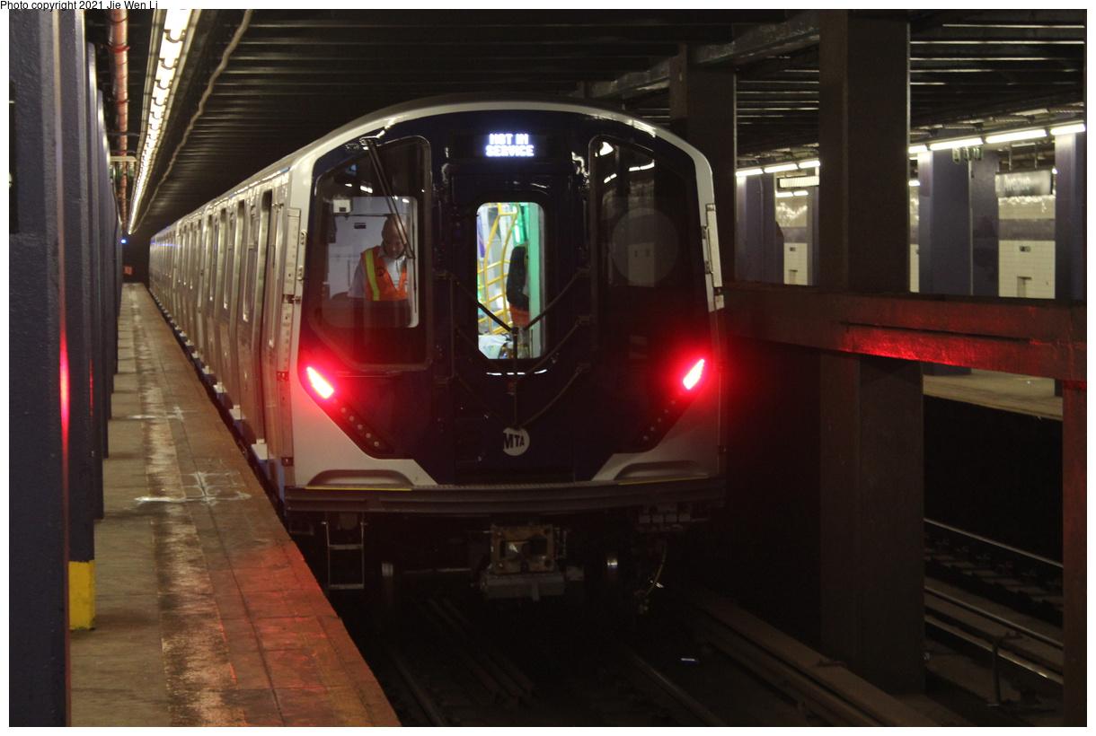 (316k, 1220x820)<br><b>Country:</b> United States<br><b>City:</b> New York<br><b>System:</b> New York City Transit<br><b>Line:</b> IND 6th Avenue Line<br><b>Location:</b> 2nd Avenue<br><b>Route:</b> Testing<br><b>Car:</b> R-211 (Kawasaki, 2021-) 4064 <br><b>Photo by:</b> Jie Wen Li<br><b>Date:</b> 9/17/2021<br><b>Notes:</b> Clearance test on the 6 Av Line.<br><b>Viewed (this week/total):</b> 7 / 63