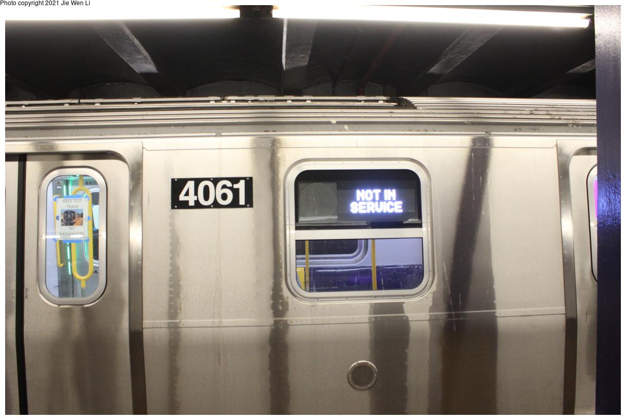 (308k, 1220x820)<br><b>Country:</b> United States<br><b>City:</b> New York<br><b>System:</b> New York City Transit<br><b>Line:</b> IND 6th Avenue Line<br><b>Location:</b> 2nd Avenue<br><b>Route:</b> Testing<br><b>Car:</b> R-211 (Kawasaki, 2021-) 4061 <br><b>Photo by:</b> Jie Wen Li<br><b>Date:</b> 9/17/2021<br><b>Notes:</b> Side view of the R211. Clearance test on the 6 Av Line.<br><b>Viewed (this week/total):</b> 17 / 118