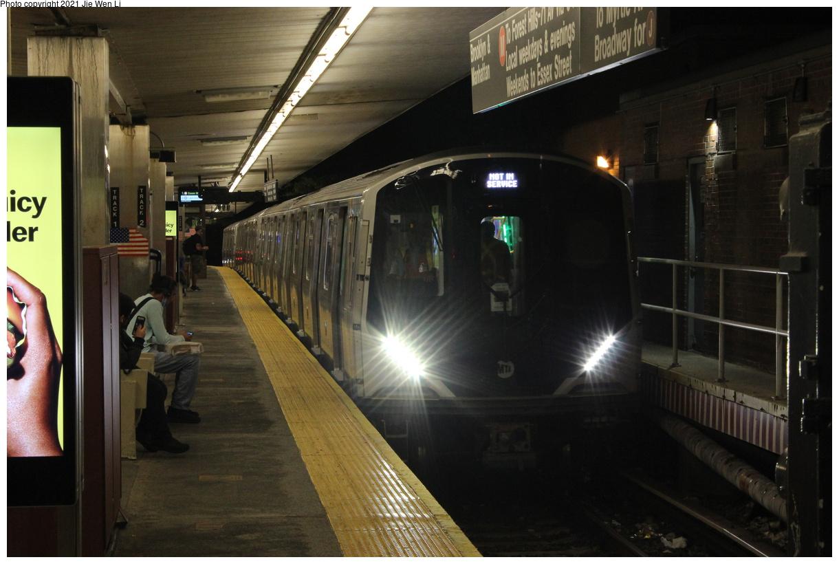 (347k, 1220x820)<br><b>Country:</b> United States<br><b>City:</b> New York<br><b>System:</b> New York City Transit<br><b>Line:</b> BMT Myrtle Avenue Line<br><b>Location:</b> Metropolitan Avenue<br><b>Route:</b> Testing<br><b>Car:</b> R-211 (Kawasaki, 2021-) 4060 <br><b>Photo by:</b> Jie Wen Li<br><b>Date:</b> 9/20/2021<br><b>Notes:</b> Clearance testing on the Myrtle Line.<br><b>Viewed (this week/total):</b> 15 / 92