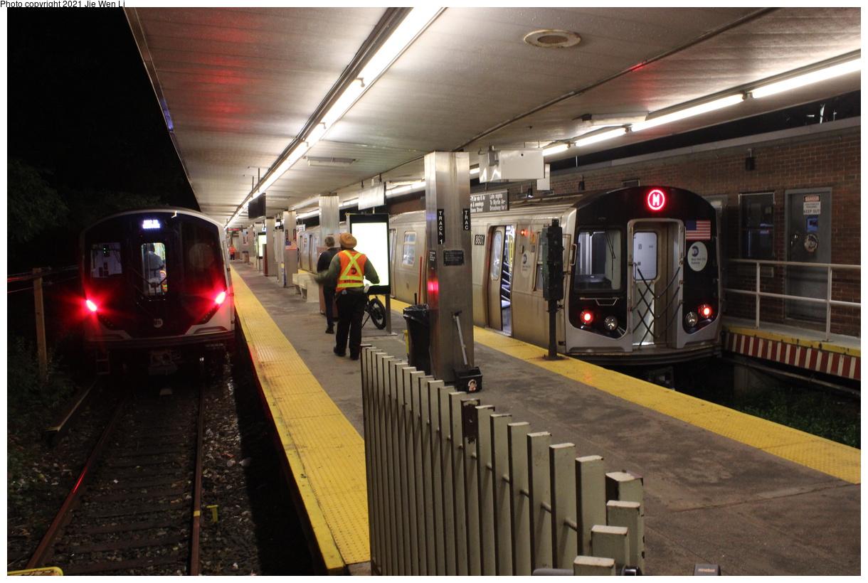 (383k, 1220x820)<br><b>Country:</b> United States<br><b>City:</b> New York<br><b>System:</b> New York City Transit<br><b>Line:</b> BMT Myrtle Avenue Line<br><b>Location:</b> Metropolitan Avenue<br><b>Route:</b> Testing<br><b>Car:</b> R-211 (Kawasaki, 2021-) 4060 <br><b>Photo by:</b> Jie Wen Li<br><b>Date:</b> 9/20/2021<br><b>Notes:</b> With R160 8601(Right). Clearance testing on the Myrtle Line.<br><b>Viewed (this week/total):</b> 39 / 185