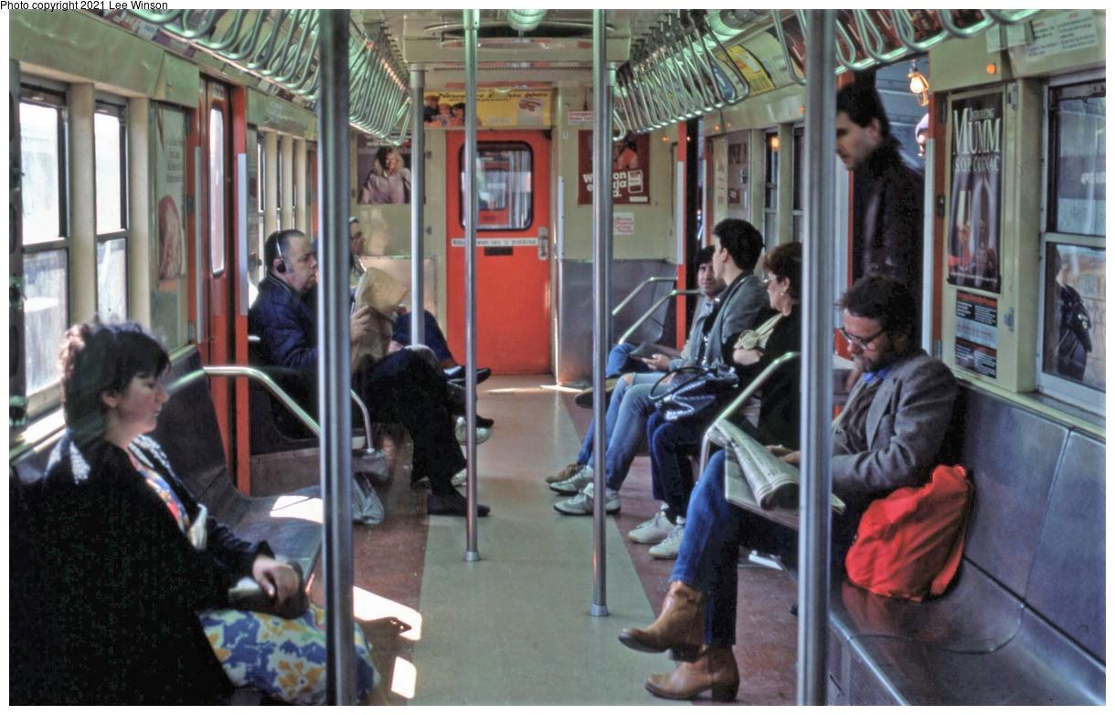 (343k, 1220x783)<br><b>Country:</b> United States<br><b>City:</b> New York<br><b>System:</b> New York City Transit<br><b>Route:</b> 7<br><b>Car:</b> R-17 (St. Louis, 1955-56)  <br><b>Photo by:</b> Lee Winson<br><b>Date:</b> 5/1986<br><b>Viewed (this week/total):</b> 48 / 290