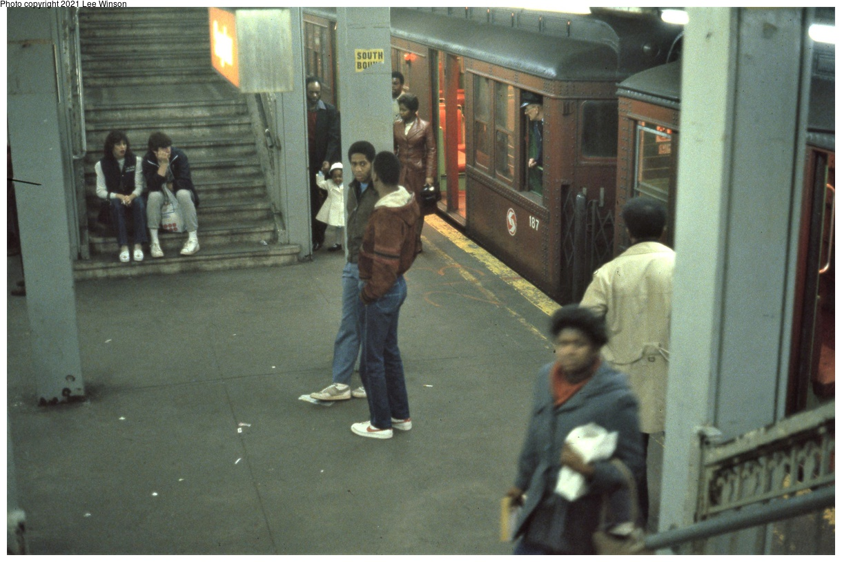 (324k, 1220x814)<br><b>Country:</b> United States<br><b>City:</b> Philadelphia, PA<br><b>System:</b> SEPTA (or Predecessor)<br><b>Line:</b> Broad Street Subway<br><b>Location:</b> Snyder<br><b>Car:</b> PTC/SEPTA B-3 South Broad Street (Pressed Steel, 1938) 187 <br><b>Photo by:</b> Lee Winson<br><b>Date:</b> 3/1982<br><b>Viewed (this week/total):</b> 4 / 49