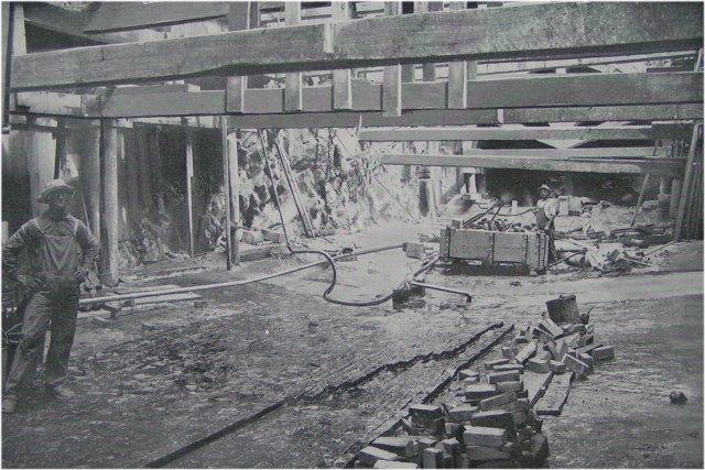 (83k, 640x427)<br><b>Country:</b> United States<br><b>City:</b> New York<br><b>System:</b> New York City Transit<br><b>Location:</b> Interborough Subway<br><b>Photo by:</b> IRT Company<br><b>Date:</b> 1904<br><b>Notes:</b> Special Brick and Asphalt Waterproofing<br><b>Viewed (this week/total):</b> 1 / 11717