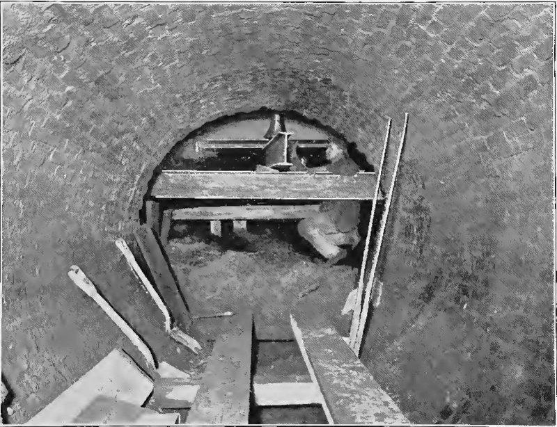 (165k, 800x614)<br><b>Country:</b> United States<br><b>City:</b> New York<br><b>System:</b> New York City Transit<br><b>Location:</b> Interborough Subway<br><b>Photo by:</b> IRT Company<br><b>Date:</b> 1904<br><b>Notes:</b> Special construction of 6.5-foot sewer, under Chatham Square<br><b>Viewed (this week/total):</b> 3 / 5779