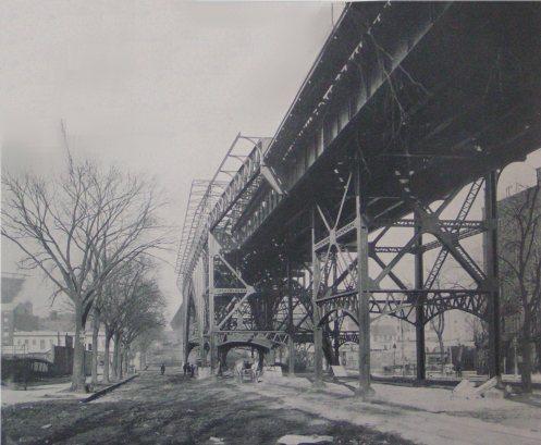 (42k, 497x409)<br><b>Country:</b> United States<br><b>City:</b> New York<br><b>System:</b> New York City Transit<br><b>Line:</b> IRT West Side Line<br><b>Location:</b> 125th Street<br><b>Photo by:</b> IRT Company<br><b>Date:</b> 1904<br><b>Notes:</b> Manhattan Valley Viaduct, looking north<br><b>Viewed (this week/total):</b> 1 / 6688