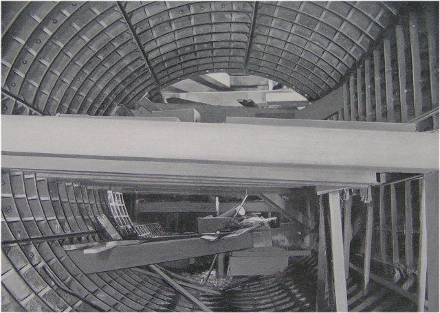 (72k, 640x456)<br><b>Country:</b> United States<br><b>City:</b> New York<br><b>System:</b> New York City Transit<br><b>Location:</b> Interborough Subway<br><b>Photo by:</b> IRT Company<br><b>Date:</b> 1904<br><b>Notes:</b> Section of Harlem River Tunnel during construction<br><b>Viewed (this week/total):</b> 6 / 6028