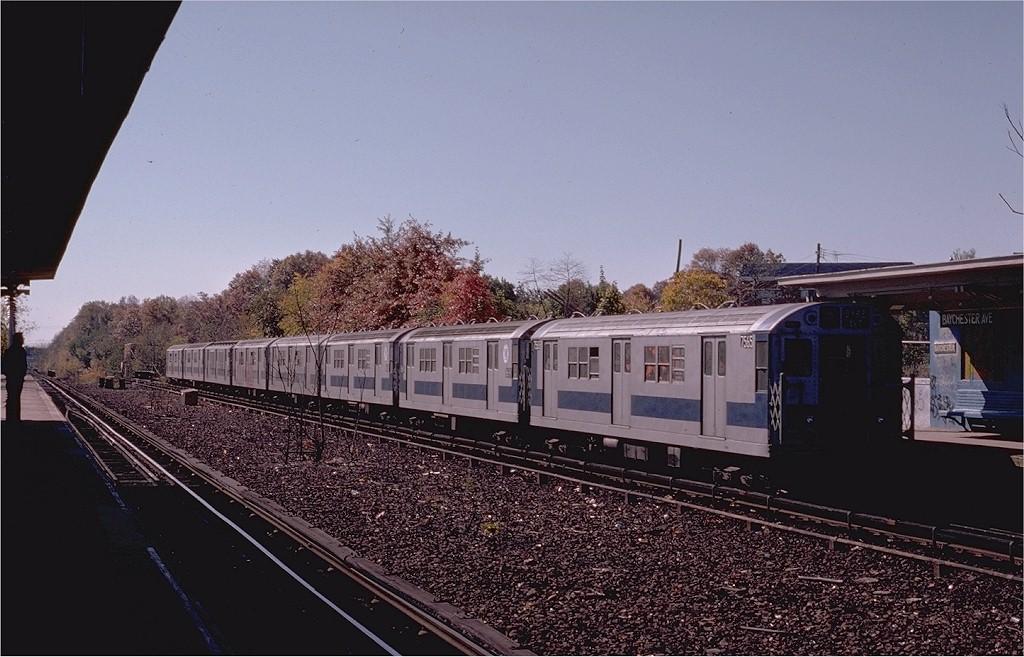 (190k, 1024x657)<br><b>Country:</b> United States<br><b>City:</b> New York<br><b>System:</b> New York City Transit<br><b>Line:</b> IRT Dyre Ave. Line<br><b>Location:</b> Baychester Avenue<br><b>Route:</b> 5<br><b>Car:</b> R-22 (St. Louis, 1957-58) 7655 <br><b>Photo by:</b> Joe Testagrose<br><b>Date:</b> 10/27/1974<br><b>Viewed (this week/total):</b> 0 / 3253