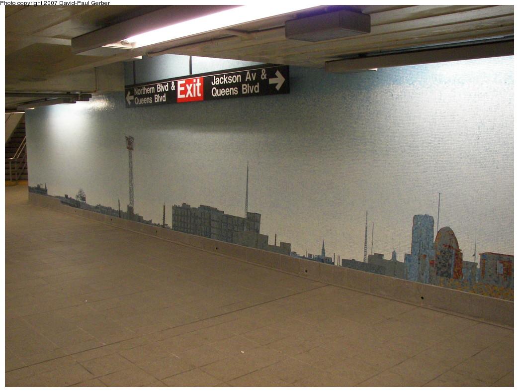 (262k, 1044x788)<br><b>Country:</b> United States<br><b>City:</b> New York<br><b>System:</b> New York City Transit<br><b>Line:</b> IND Queens Boulevard Line<br><b>Location:</b> Queens Plaza<br><b>Photo by:</b> David-Paul Gerber<br><b>Date:</b> 12/9/2007<br><b>Artwork:</b> <i>Look Up Not Down</i>, Ellen Harvey, 2005<br><b>Viewed (this week/total):</b> 1 / 3238