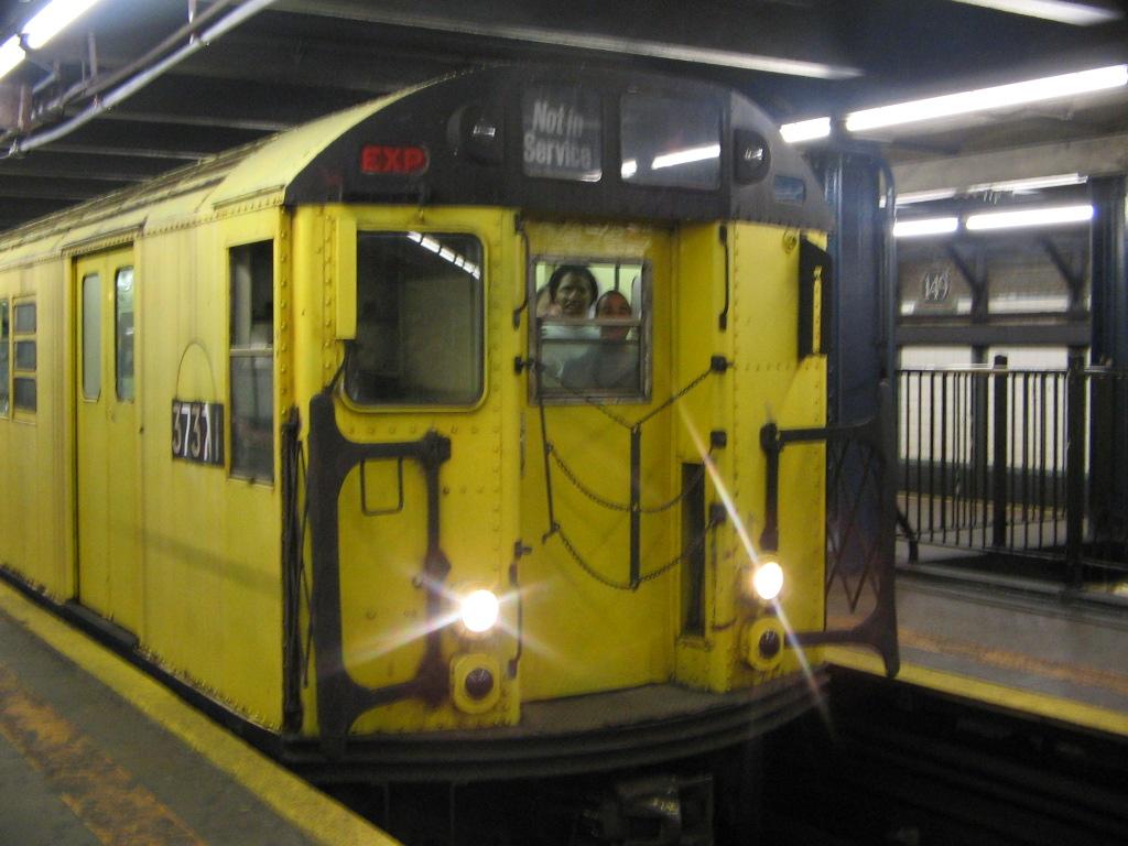 (226k, 1024x768)<br><b>Country:</b> United States<br><b>City:</b> New York<br><b>System:</b> New York City Transit<br><b>Line:</b> IRT Woodlawn Line<br><b>Location:</b> 149th Street-Grand Concourse<br><b>Route:</b> Fan Trip<br><b>Car:</b> R-22 (St. Louis, 1957-58) 37371 <br><b>Photo by:</b> Jose Martinez<br><b>Date:</b> 5/1/2005<br><b>Notes:</b> Work Motor 37371 on fantrip.<br><b>Viewed (this week/total):</b> 0 / 4521