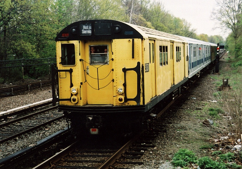 (278k, 800x561)<br><b>Country:</b> United States<br><b>City:</b> New York<br><b>System:</b> New York City Transit<br><b>Line:</b> IRT Dyre Ave. Line<br><b>Location:</b> Gun Hill Road<br><b>Route:</b> Fan Trip<br><b>Car:</b> R-22 (St. Louis, 1957-58) 37371 <br><b>Photo by:</b> Gary Chatterton<br><b>Date:</b> 5/1/2005<br><b>Notes:</b> Work Motor 37371 on fantrip.<br><b>Viewed (this week/total):</b> 3 / 6092