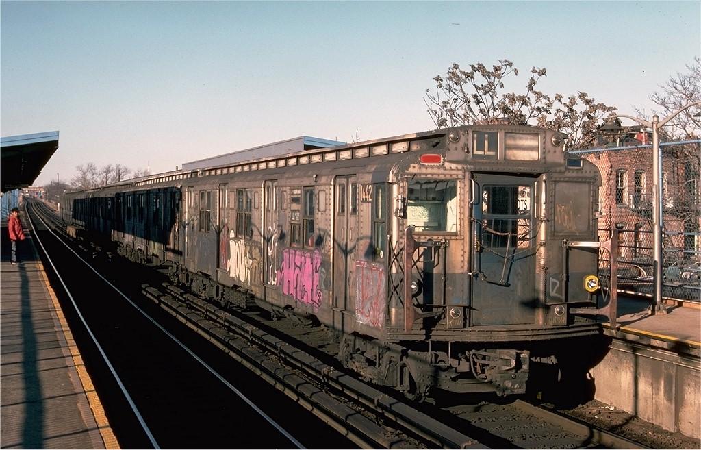 (214k, 1024x657)<br><b>Country:</b> United States<br><b>City:</b> New York<br><b>System:</b> New York City Transit<br><b>Line:</b> BMT Canarsie Line<br><b>Location:</b> New Lots Avenue<br><b>Route:</b> LL<br><b>Car:</b> R-6-3 (American Car & Foundry, 1935) 1442 <br><b>Photo by:</b> Ed McKernan<br><b>Collection of:</b> Joe Testagrose<br><b>Date:</b> 12/24/1976<br><b>Viewed (this week/total):</b> 0 / 5821