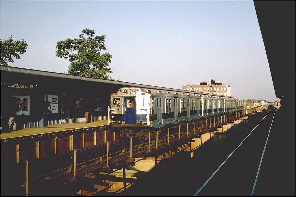 (189k, 1024x682)<br><b>Country:</b> United States<br><b>City:</b> New York<br><b>System:</b> New York City Transit<br><b>Line:</b> BMT Nassau Street-Jamaica Line<br><b>Location:</b> 75th Street/Elderts Lane<br><b>Route:</b> Fan Trip<br><b>Car:</b> R-10 (American Car & Foundry, 1948) 3298 <br><b>Photo by:</b> Steve Zabel<br><b>Collection of:</b> Joe Testagrose<br><b>Date:</b> 10/23/1976<br><b>Viewed (this week/total):</b> 0 / 5185
