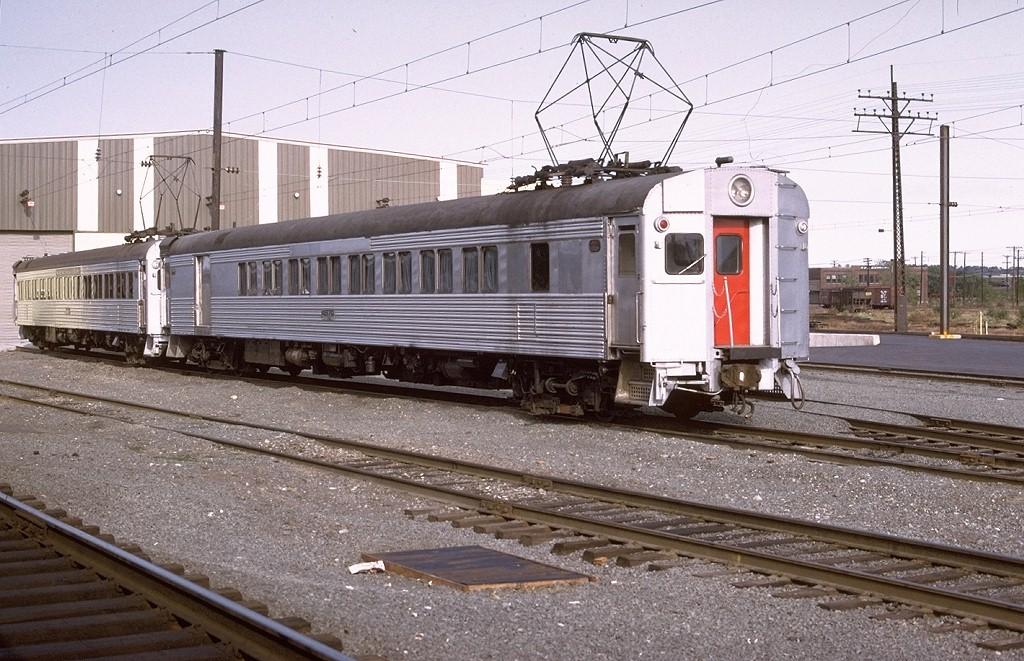 (233k, 1024x661)<br><b>Country:</b> United States<br><b>System:</b> Metro-North Railroad (or Amtrak or Predecessor RR)<br><b>Line:</b> Metro North-New Haven Line<br><b>Location:</b> New Haven Yard<br><b>Car:</b>  4670 <br><b>Photo by:</b> Willie Rosenberg<br><b>Collection of:</b> Joe Testagrose<br><b>Date:</b> 10/1974<br><b>Viewed (this week/total):</b> 1 / 3931