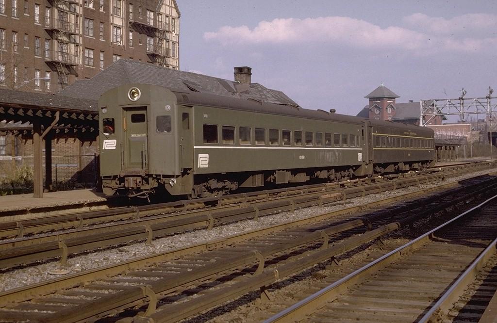 (207k, 1024x666)<br><b>Country:</b> United States<br><b>City:</b> New York<br><b>System:</b> Metro-North Railroad (or Amtrak or Predecessor RR)<br><b>Line:</b> Metro North-Harlem Line<br><b>Location:</b> Botanical Garden<br><b>Car:</b> MNRR ACMU 1058 <br><b>Photo by:</b> Joe Testagrose<br><b>Date:</b> 11/29/1969<br><b>Viewed (this week/total):</b> 1 / 4826