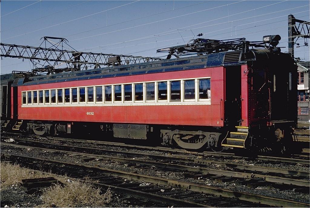 (294k, 1024x689)<br><b>Country:</b> United States<br><b>City:</b> Hoboken, NJ<br><b>System:</b> NJ Transit (or Predecessor)<br><b>Location:</b> Hoboken Terminal<br><b>Car:</b> Erie-Lackawanna EMU 4632 <br><b>Photo by:</b> Steve Zabel<br><b>Collection of:</b> Joe Testagrose<br><b>Date:</b> 11/16/1980<br><b>Viewed (this week/total):</b> 0 / 2157