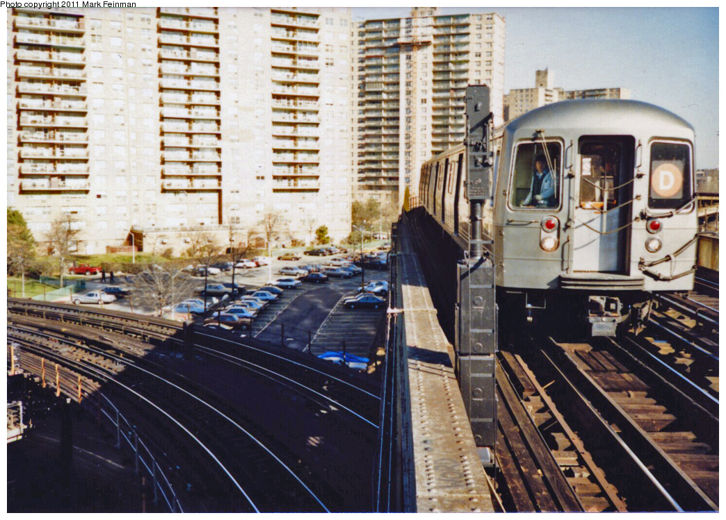 (442k, 1044x749)<br><b>Country:</b> United States<br><b>City:</b> New York<br><b>System:</b> New York City Transit<br><b>Line:</b> BMT Brighton Line<br><b>Location:</b> West 8th Street<br><b>Route:</b> D<br><b>Car:</b> R-68/R-68A Series (Number Unknown)  <br><b>Photo by:</b> Mark S. Feinman<br><b>Date:</b> 11/22/1989<br><b>Viewed (this week/total):</b> 2 / 3061