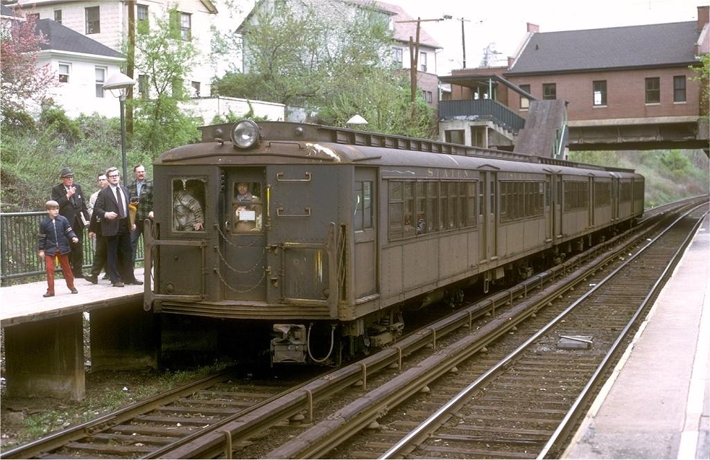 (234k, 1024x664)<br><b>Country:</b> United States<br><b>City:</b> New York<br><b>System:</b> New York City Transit<br><b>Line:</b> SIRT<br><b>Location:</b> Great Kills<br><b>Route:</b> Fan Trip<br><b>Car:</b> SIRT ME-1 (Motor) 346 <br><b>Collection of:</b> Joe Testagrose<br><b>Date:</b> 4/28/1973<br><b>Viewed (this week/total):</b> 0 / 6251