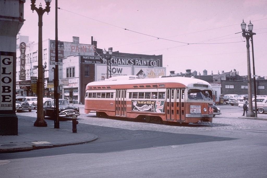 (171k, 1024x682)<br><b>Country:</b> United States<br><b>City:</b> St. Louis, MO<br><b>System:</b> St. Louis Public Service<br><b>Route:</b> Hodiamont Line<br><b>Car:</b> PCC 1659 <br><b>Collection of:</b> Joe Testagrose<br><b>Date:</b> 7/8/1961<br><b>Viewed (this week/total):</b> 0 / 13262