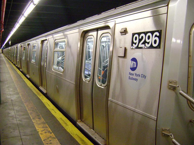 (99k, 768x576)<br><b>Country:</b> United States<br><b>City:</b> New York<br><b>System:</b> New York City Transit<br><b>Line:</b> BMT 4th Avenue Line<br><b>Location:</b> 86th Street<br><b>Route:</b> R<br><b>Car:</b> R-160A (Option 1) (Alstom, 2008-2009, 5 car sets) 9296 <br><b>Photo by:</b> John Dooley<br><b>Date:</b> 4/8/2010<br><b>Viewed (this week/total):</b> 6 / 1741