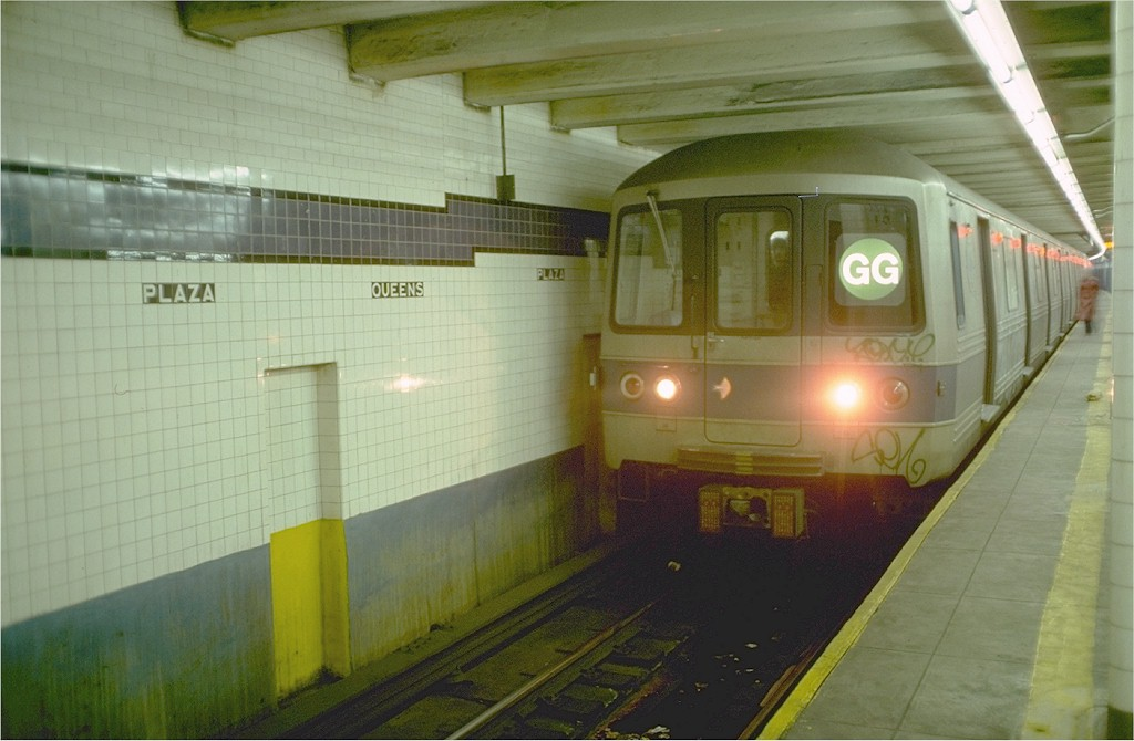 (151k, 1024x670)<br><b>Country:</b> United States<br><b>City:</b> New York<br><b>System:</b> New York City Transit<br><b>Line:</b> IND Queens Boulevard Line<br><b>Location:</b> Queens Plaza<br><b>Route:</b> GG<br><b>Car:</b> R-46 (Pullman-Standard, 1974-75) 634 <br><b>Photo by:</b> Ed McKernan<br><b>Collection of:</b> Joe Testagrose<br><b>Date:</b> 12/5/1976<br><b>Viewed (this week/total):</b> 0 / 7620
