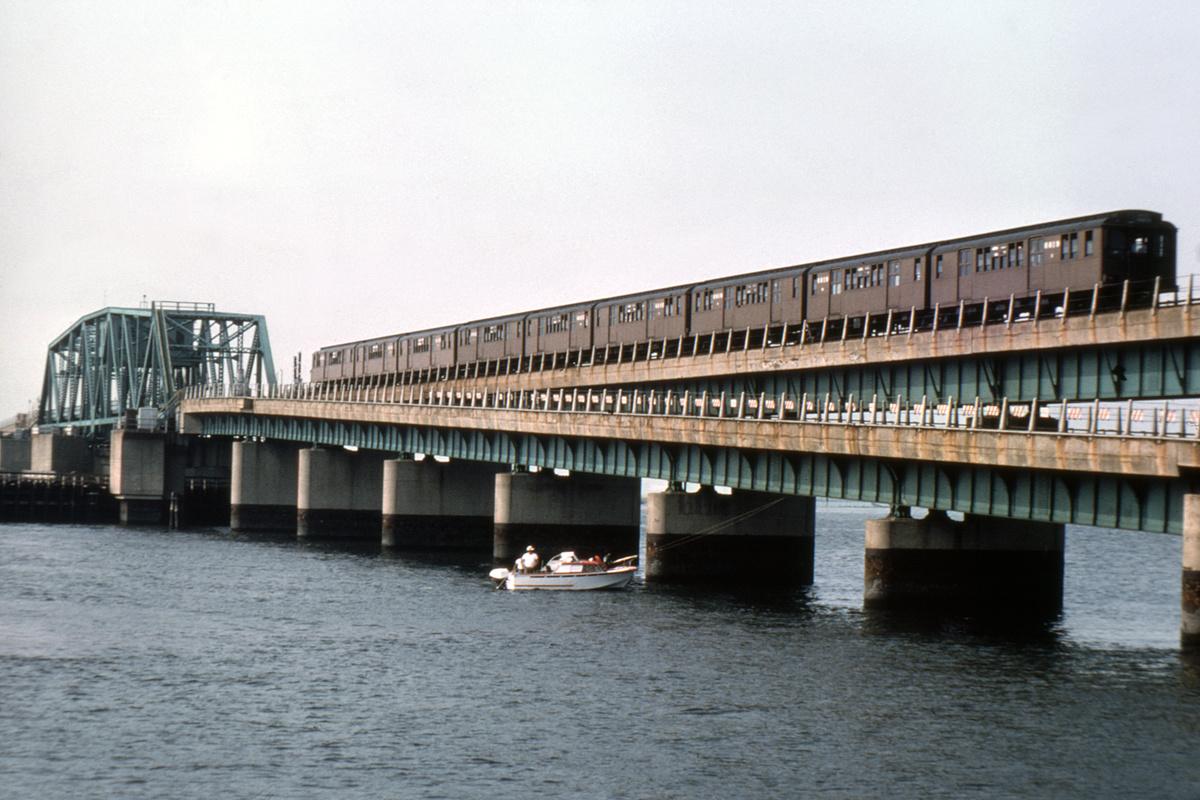 (431k, 1200x800)<br><b>Country:</b> United States<br><b>City:</b> New York<br><b>System:</b> New York City Transit<br><b>Line:</b> IND Rockaway Line<br><b>Location:</b> South Channel Bridge<br><b>Route:</b> Fan Trip<br><b>Car:</b> BMT D-Type Triplex 6019 <br><b>Photo by:</b> Doug Grotjahn<br><b>Collection of:</b> David Pirmann<br><b>Date:</b> 8/14/1976<br><b>Viewed (this week/total):</b> 0 / 4336