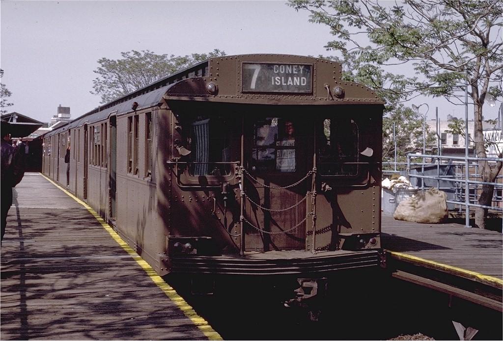 (231k, 1024x695)<br><b>Country:</b> United States<br><b>City:</b> New York<br><b>System:</b> New York City Transit<br><b>Line:</b> BMT Franklin Shuttle<br><b>Location:</b> Franklin Avenue<br><b>Route:</b> Fan Trip<br><b>Car:</b> BMT D-Type Triplex 6095 <br><b>Photo by:</b> Joe Testagrose<br><b>Date:</b> 5/18/1975<br><b>Viewed (this week/total):</b> 0 / 4149