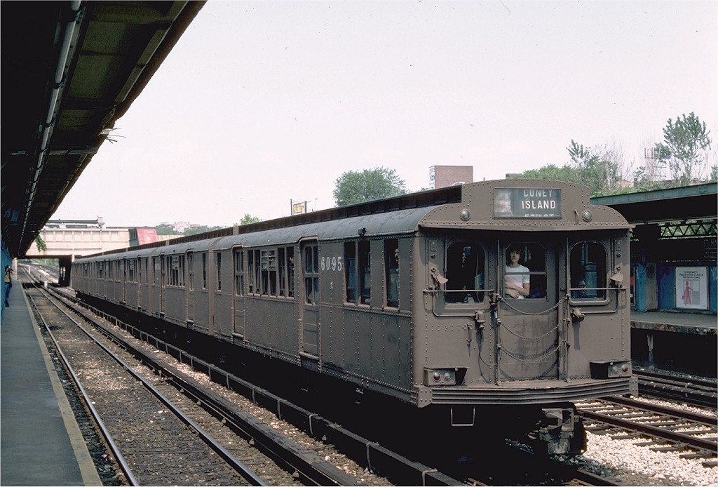 (194k, 1024x694)<br><b>Country:</b> United States<br><b>City:</b> New York<br><b>System:</b> New York City Transit<br><b>Line:</b> BMT Sea Beach Line<br><b>Location:</b> Fort Hamilton Parkway<br><b>Route:</b> Fan Trip<br><b>Car:</b> BMT D-Type Triplex 6095 <br><b>Photo by:</b> Ed McKernan<br><b>Collection of:</b> Joe Testagrose<br><b>Date:</b> 7/4/1976<br><b>Viewed (this week/total):</b> 0 / 4195