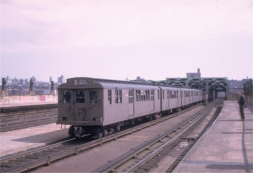 (179k, 1024x700)<br><b>Country:</b> United States<br><b>City:</b> New York<br><b>System:</b> New York City Transit<br><b>Line:</b> IND Crosstown Line<br><b>Location:</b> Smith/9th Street<br><b>Route:</b> Fan Trip<br><b>Car:</b> BMT D-Type Triplex 6095 <br><b>Photo by:</b> Steve Zabel<br><b>Collection of:</b> Joe Testagrose<br><b>Date:</b> 3/23/1974<br><b>Viewed (this week/total):</b> 0 / 3789