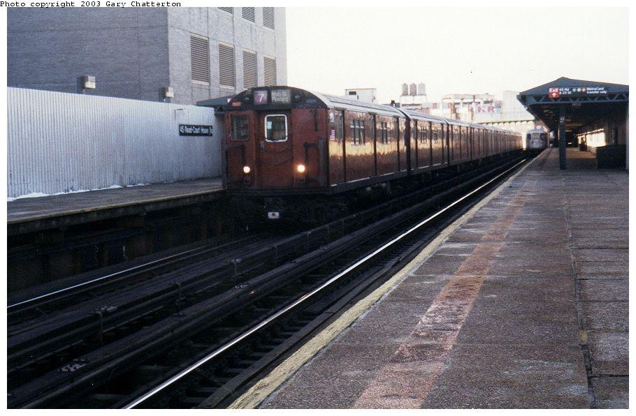 (105k, 910x596)<br><b>Country:</b> United States<br><b>City:</b> New York<br><b>System:</b> New York City Transit<br><b>Line:</b> IRT Flushing Line<br><b>Location:</b> Court House Square/45th Road<br><b>Route:</b> 7<br><b>Car:</b> R-36 Main Line (St. Louis, 1964) 9536 <br><b>Photo by:</b> Gary Chatterton<br><b>Date:</b> 1/2003<br><b>Viewed (this week/total):</b> 0 / 3051