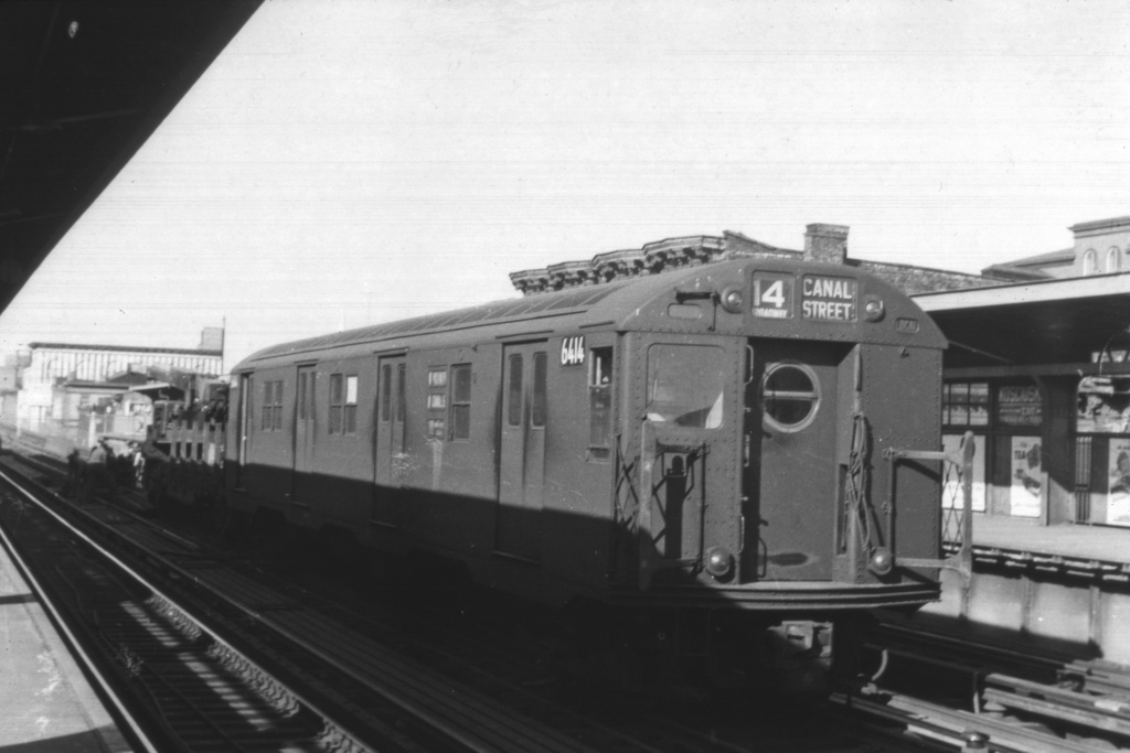 (174k, 1024x683)<br><b>Country:</b> United States<br><b>City:</b> New York<br><b>System:</b> New York City Transit<br><b>Line:</b> BMT Nassau Street-Jamaica Line<br><b>Location:</b> Kosciuszko Street<br><b>Route:</b> Work Service<br><b>Car:</b> R-16 (American Car & Foundry, 1955) 6414 <br><b>Collection of:</b> David Pirmann<br><b>Viewed (this week/total):</b> 0 / 4681