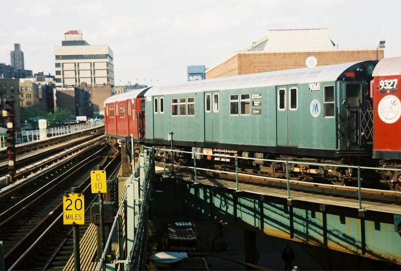(77k, 800x540)<br><b>Country:</b> United States<br><b>City:</b> New York<br><b>System:</b> New York City Transit<br><b>Location:</b> 207th Street Yard<br><b>Route:</b> Fan Trip<br><b>Car:</b> R-33 Main Line (St. Louis, 1962-63) 9068 <br><b>Photo by:</b> Gary Chatterton<br><b>Date:</b> 5/1/2005<br><b>Viewed (this week/total):</b> 0 / 3542