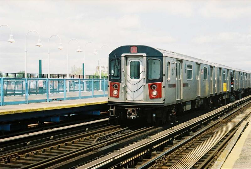 (73k, 800x540)<br><b>Country:</b> United States<br><b>City:</b> New York<br><b>System:</b> New York City Transit<br><b>Line:</b> IRT White Plains Road Line<br><b>Location:</b> 238th Street (Nereid Avenue)<br><b>Route:</b> 2<br><b>Car:</b> R-142 (Primary Order, Bombardier, 1999-2002) 6585 <br><b>Photo by:</b> Gary Chatterton<br><b>Date:</b> 5/1/2005<br><b>Viewed (this week/total):</b> 0 / 4981