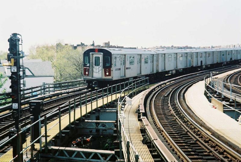 (88k, 800x540)<br><b>Country:</b> United States<br><b>City:</b> New York<br><b>System:</b> New York City Transit<br><b>Line:</b> IRT White Plains Road Line<br><b>Location:</b> East 180th Street<br><b>Route:</b> 2<br><b>Car:</b> R-142 (Primary Order, Bombardier, 1999-2002) 6400 <br><b>Photo by:</b> Gary Chatterton<br><b>Date:</b> 5/1/2005<br><b>Viewed (this week/total):</b> 0 / 3933