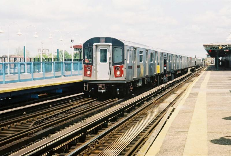 (77k, 800x540)<br><b>Country:</b> United States<br><b>City:</b> New York<br><b>System:</b> New York City Transit<br><b>Line:</b> IRT White Plains Road Line<br><b>Location:</b> 238th Street (Nereid Avenue)<br><b>Route:</b> 2<br><b>Car:</b> R-142 (Primary Order, Bombardier, 1999-2002) 6741 <br><b>Photo by:</b> Gary Chatterton<br><b>Date:</b> 5/1/2005<br><b>Viewed (this week/total):</b> 5 / 5441
