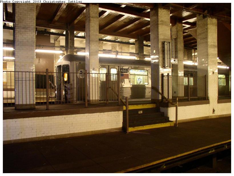 (77k, 820x619)<br><b>Country:</b> United States<br><b>City:</b> New York<br><b>System:</b> New York City Transit<br><b>Line:</b> BMT Nassau Street-Jamaica Line<br><b>Location:</b> Chambers Street<br><b>Car:</b> R-42 (St. Louis, 1969-1970) 4862 <br><b>Photo by:</b> Christopher Sattler<br><b>Date:</b> 6/28/2003<br><b>Viewed (this week/total):</b> 3 / 13046
