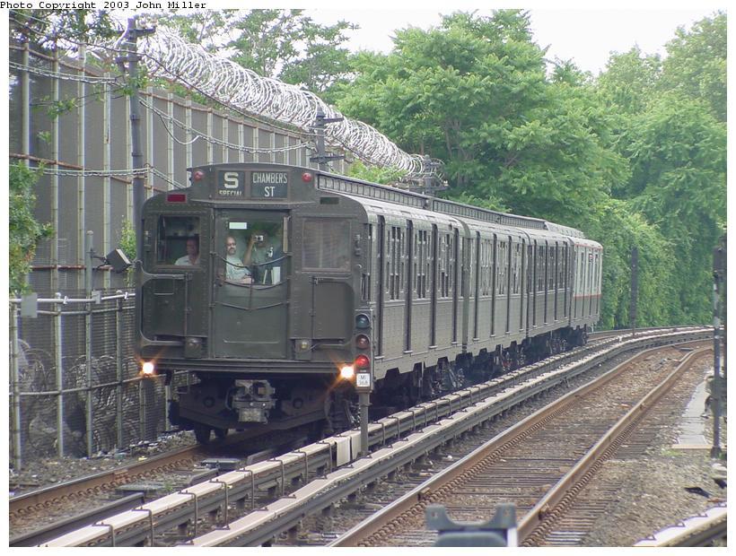 (119k, 820x620)<br><b>Country:</b> United States<br><b>City:</b> New York<br><b>System:</b> New York City Transit<br><b>Line:</b> BMT Myrtle Avenue Line<br><b>Location:</b> Metropolitan Avenue<br><b>Route:</b> Fan Trip<br><b>Car:</b> R-4 (American Car & Foundry, 1932-1933) 484 <br><b>Photo by:</b> John Miller<br><b>Date:</b> 6/28/2003<br><b>Viewed (this week/total):</b> 6 / 5007