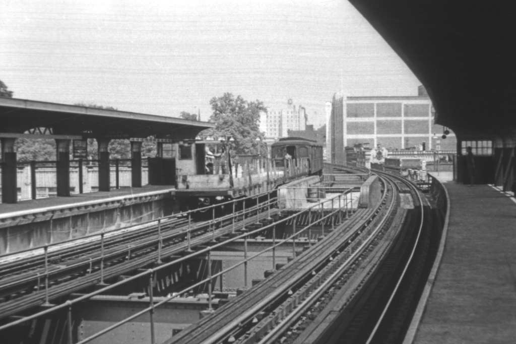 (204k, 1024x682)<br><b>Country:</b> United States<br><b>City:</b> New York<br><b>System:</b> New York City Transit<br><b>Line:</b> BMT Nassau Street-Jamaica Line<br><b>Location:</b> Sutphin Boulevard (Demolished)<br><b>Car:</b> BMT A/B-Type Standard  <br><b>Collection of:</b> David Pirmann<br><b>Viewed (this week/total):</b> 1 / 5098