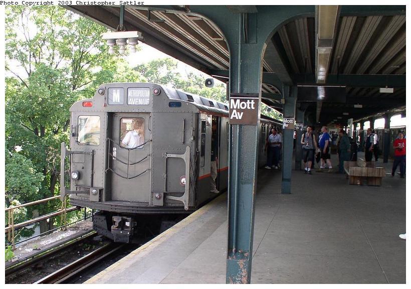 (99k, 820x576)<br><b>Country:</b> United States<br><b>City:</b> New York<br><b>System:</b> New York City Transit<br><b>Line:</b> IND Rockaway Line<br><b>Location:</b> Mott Avenue/Far Rockaway<br><b>Route:</b> Fan Trip<br><b>Car:</b> R-7A (Pullman, 1938) 1575 <br><b>Photo by:</b> Christopher Sattler<br><b>Date:</b> 6/28/2003<br><b>Viewed (this week/total):</b> 0 / 4351