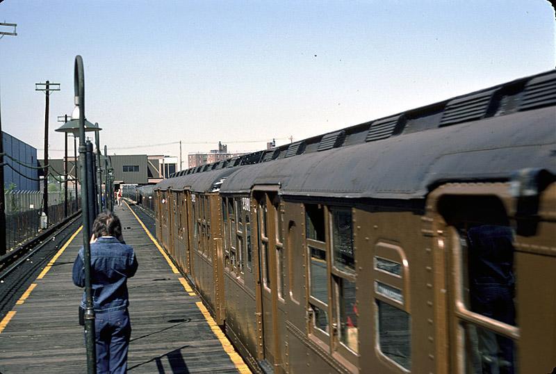 (82k, 800x538)<br><b>Country:</b> United States<br><b>City:</b> New York<br><b>System:</b> New York City Transit<br><b>Line:</b> BMT Canarsie Line<br><b>Location:</b> East 105th Street<br><b>Route:</b> Fan Trip<br><b>Car:</b> BMT A/B-Type Standard 2390 <br><b>Photo by:</b> Richard Ondrovic<br><b>Date:</b> 4/30/1977<br><b>Viewed (this week/total):</b> 0 / 4053