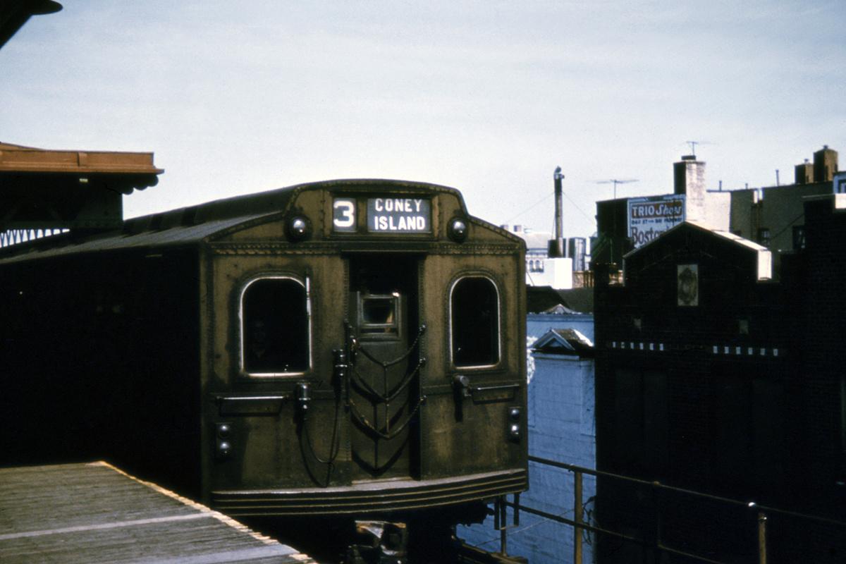 (348k, 1200x800)<br><b>Country:</b> United States<br><b>City:</b> New York<br><b>System:</b> New York City Transit<br><b>Line:</b> BMT West End Line<br><b>Location:</b> Bay Parkway<br><b>Route:</b> Fan Trip<br><b>Car:</b> BMT Multisection  <br><b>Collection of:</b> David Pirmann<br><b>Date:</b> 7/22/1961<br><b>Viewed (this week/total):</b> 1 / 4633