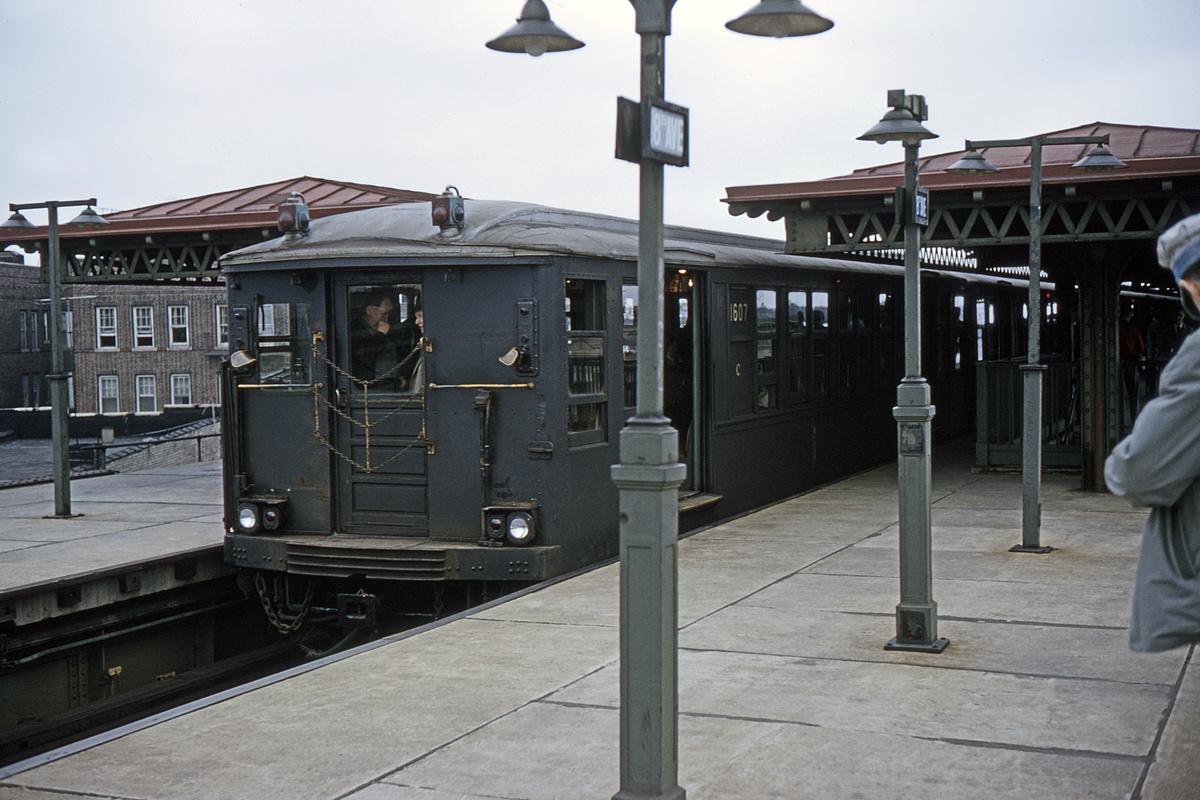 (419k, 1200x800)<br><b>Country:</b> United States<br><b>City:</b> New York<br><b>System:</b> New York City Transit<br><b>Line:</b> BMT Culver Line<br><b>Location:</b> 18th Avenue<br><b>Route:</b> Fan Trip<br><b>Car:</b> BMT Q 1607 <br><b>Collection of:</b> David Pirmann<br><b>Date:</b> 4/19/1964<br><b>Viewed (this week/total):</b> 2 / 4262
