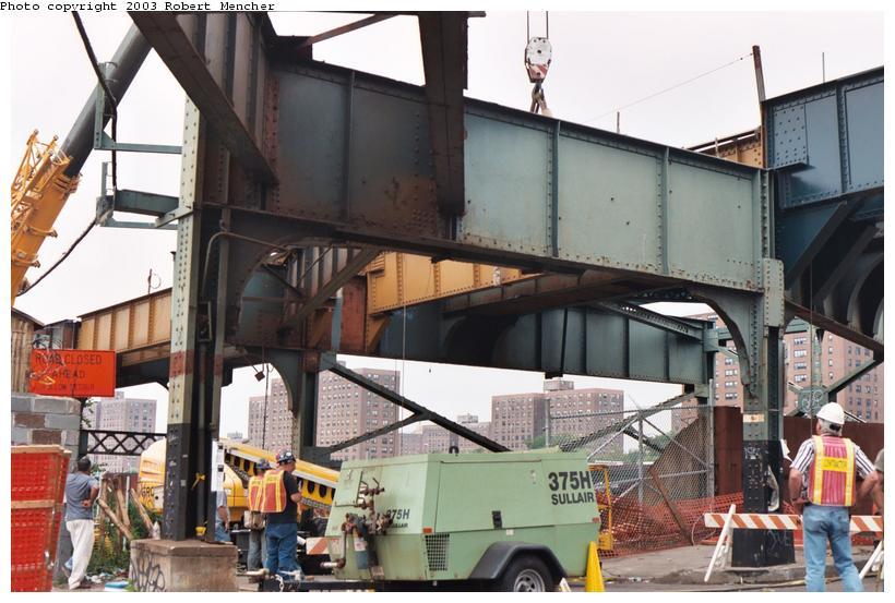 (108k, 820x553)<br><b>Country:</b> United States<br><b>City:</b> New York<br><b>System:</b> New York City Transit<br><b>Line:</b> BMT Canarsie Line<br><b>Location:</b> Snediker Avenue<br><b>Photo by:</b> Robert Mencher<br><b>Date:</b> 9/2003<br><b>Viewed (this week/total):</b> 2 / 2664