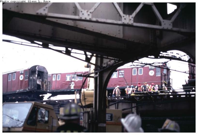 (55k, 819x558)<br><b>Country:</b> United States<br><b>City:</b> New York<br><b>System:</b> New York City Transit<br><b>Location:</b> 239th Street Yard<br><b>Car:</b> R-33 Main Line (St. Louis, 1962-63) 9153 <br><b>Photo by:</b> Glenn L. Rowe<br><b>Date:</b> 2/4/1998<br><b>Viewed (this week/total):</b> 3 / 12743