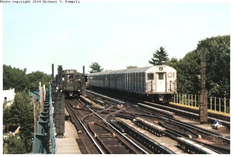 (83k, 820x553)<br><b>Country:</b> United States<br><b>City:</b> New York<br><b>System:</b> New York City Transit<br><b>Line:</b> IND Fulton Street Line<br><b>Location:</b> 80th Street-Hudson Street<br><b>Route:</b> Fan Trip<br><b>Car:</b> R-4 (American Car & Foundry, 1932-1933) 484 <br><b>Photo by:</b> Michael Pompili<br><b>Date:</b> 8/24/2003<br><b>Viewed (this week/total):</b> 2 / 4658